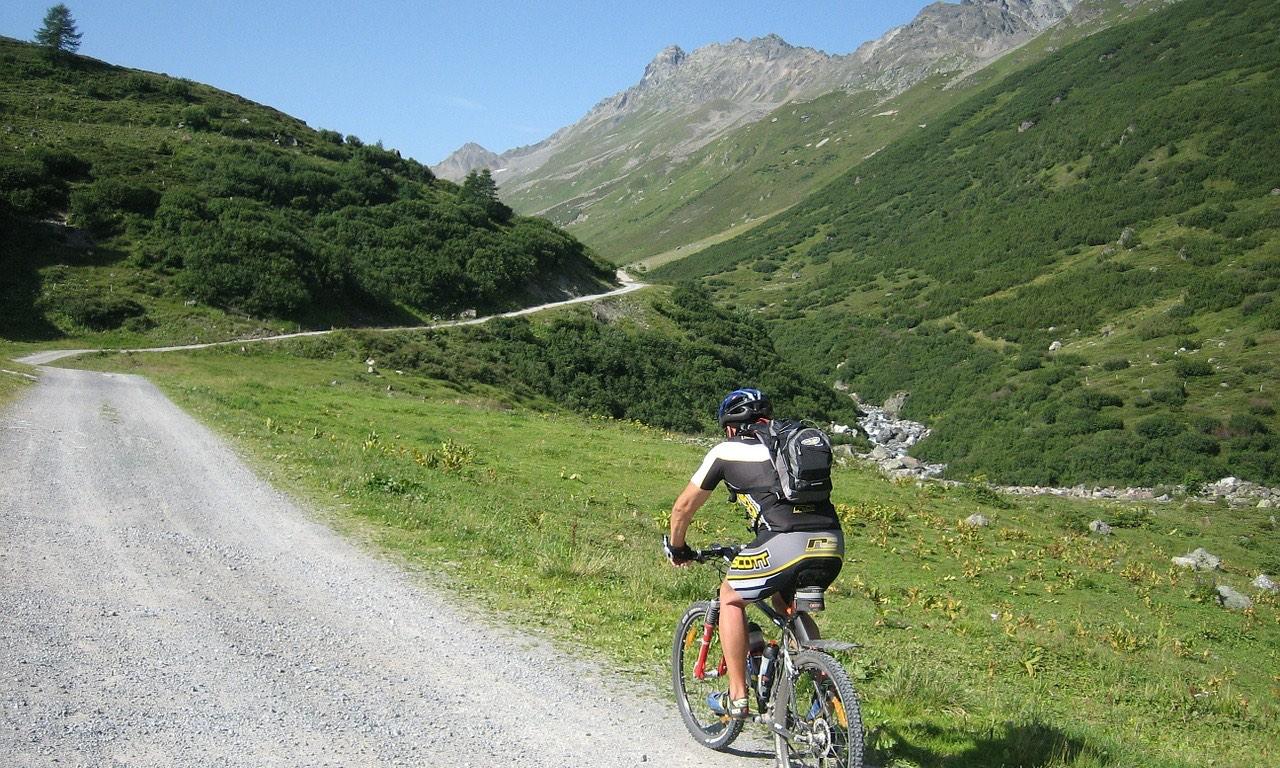 mountain biking breckenridge